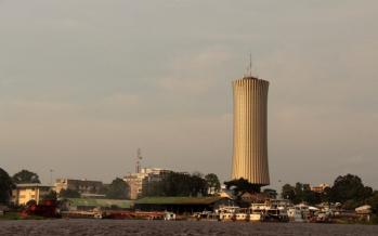 Brazzaville : Des usagers coincAi??s dans un ascenseur Ai?? la Tour Nabemba