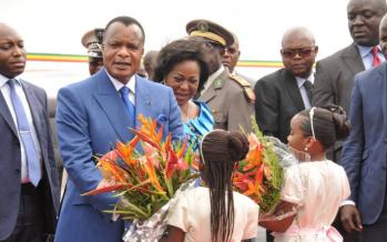 Arrivée à Abidjan de Sassou pour participer au mariage de l'un de ses petits-fils avec une ivoirienne