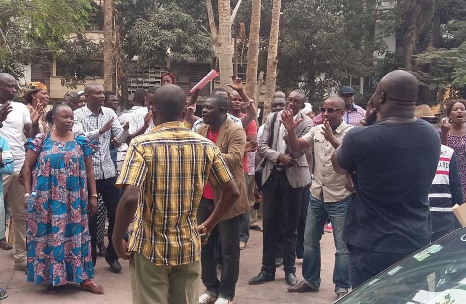 Des expropriés de Kintélé expriment leur colère | Image d'archive