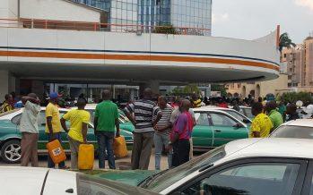 Pénurie d'essence, Brazzaville tourne au ralenti