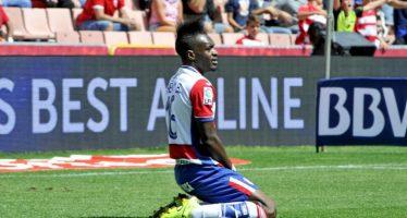 Transferts : l'attaquant congolais Thievy Bifouma prêté à Reims