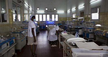 RDC : Une mère des triplés bloquée dans une maternité par manque des frais exigés