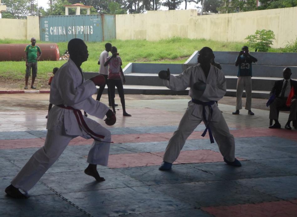La Ligue de Brazzaville de karaté a lancé,  le 29 novembre, sa saison sportive 2015-2016, de façon tout à fait particulière.
