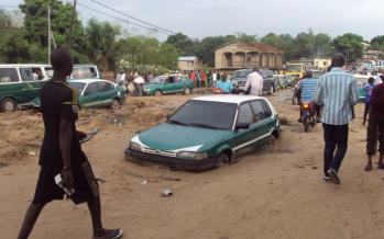 Brazzaville – Traversée du pont de Mikalou : véritable calvaire après la pluie
