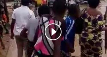 VIDEO – Traversée du pont de Mikalou : véritable calvaire après la pluie