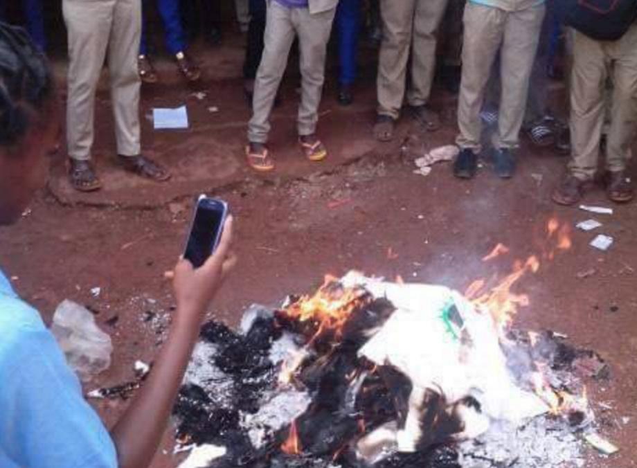 La police tue un collégien soupçonné d'avoir brûlé les kits scolaires de Christel Sassou