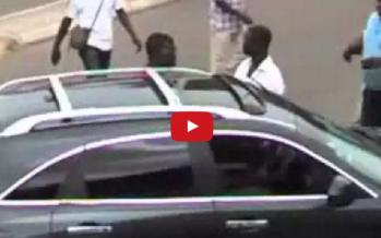 VIDEO – Panique à Brazzaville: le fils d'un général pointe son pistolet sur un Congolais