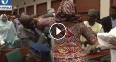 VIDÉO: Nigeria, bagarre généralisée entre les députés à l'assemblée nationale