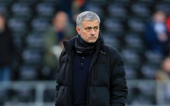 Foot – Angleterre: l'entraîneur de Chelsea José Mourinho limogé