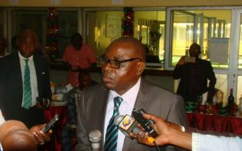 Brazzaville : Bernard Ovoulaka, DG du CHU remonte les bretelles à son personnel