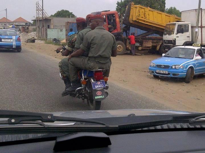 Pointe-Noire scène de vie ordinaire. La sécurité routière des FAC