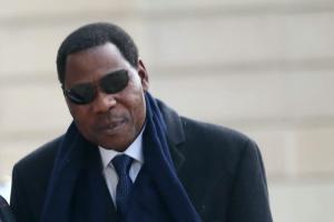 Le président béninois Thomas Boni Yayi à son arrivée au palais présidentiel de l'Élysée le 8 février 2016