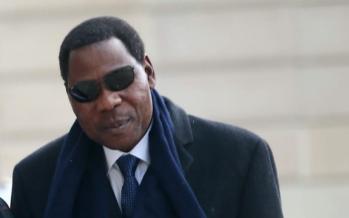 Bénin : après la crème, Yayi Boni présente les lunettes de fin de mandat