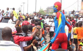 VIDEO – Après leur sacre au Chan 2016, les Léopards escortés à vive allure à Kinshasa