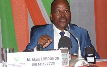 Ex ministre Alain Lobognon: «Si les excuses de Serge Aurier ne suffisent pas alors libérez-le»