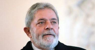 Brésil : l'ancien président brésilien Lula arrêté et placé en garde à vue
