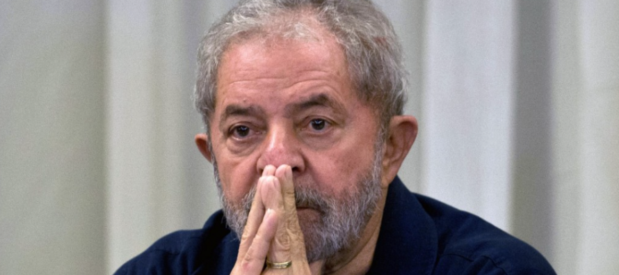 Brésil: Le parquet demande la détention préventive de l'ancien président Lula