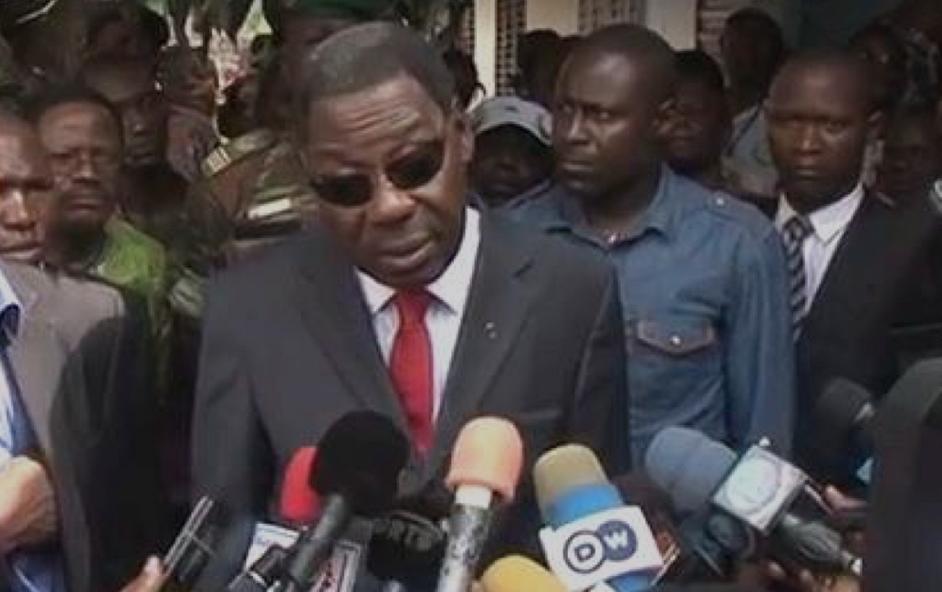 Le président béninois sortant Boni Yayi a salué dimanche à Cotonou