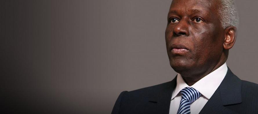 Le président angolais Jose Eduardo dos Santos réélu à la tête de son parti, le MPLA