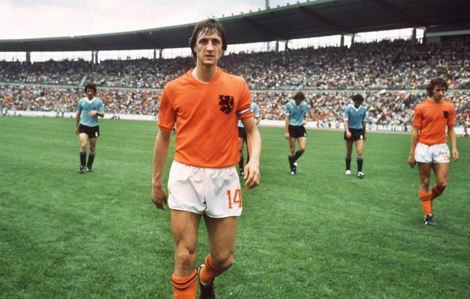 La légende du foot néerlandais Johan Cruyff est mort des suites d'un cancer des poumons, à l'âge de 68 ans.