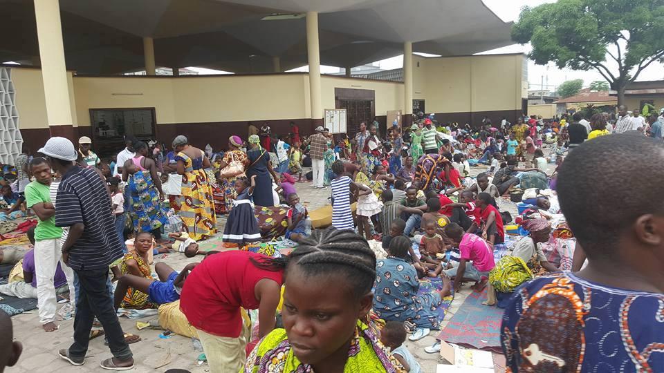 Des populations déplacées regagnent progressivement leur domicile après les affrontements armés à Brazzaville