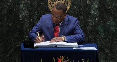 NEW YORK – COP21: le Congo signe l'Accord de Paris sur le changement climatique