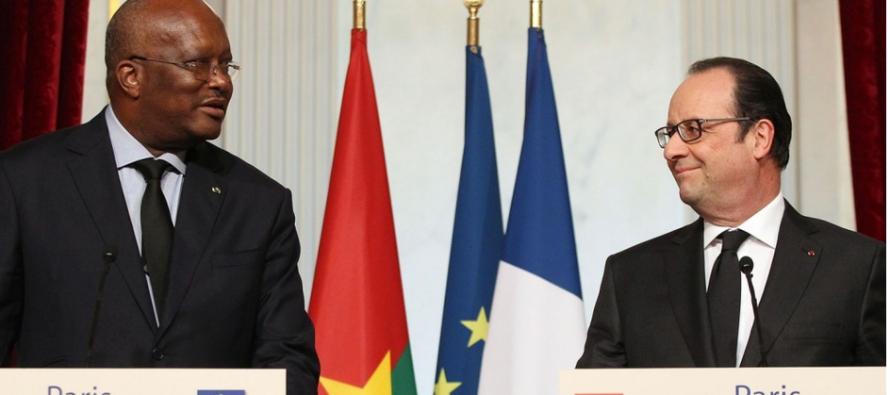 Roch Kaboré à Paris : Hollande fait l' « atalakou » de la démocratie burkinabè
