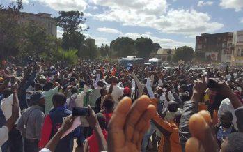 RDC : Moïse Katumbi se présente à la justice avec des centaines de partisans