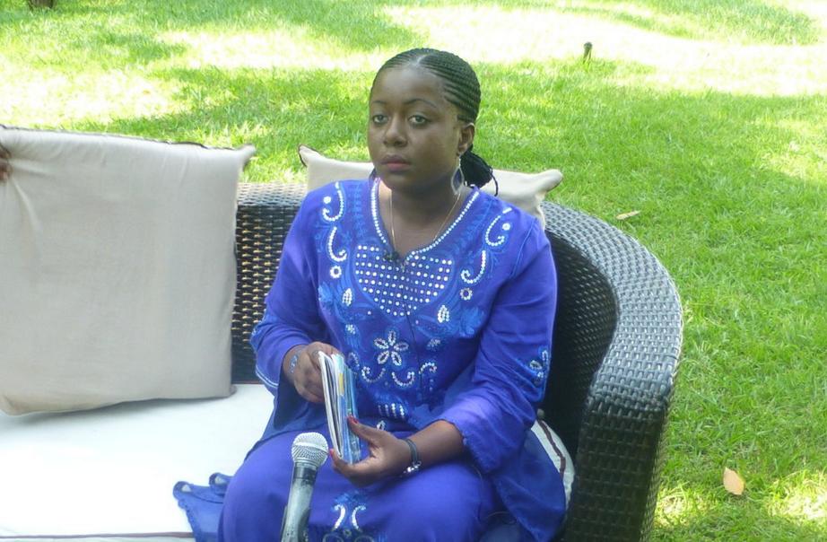 La Ministre de la jeunesse et de l'éducation civique, Destinée Ermela Doukaga