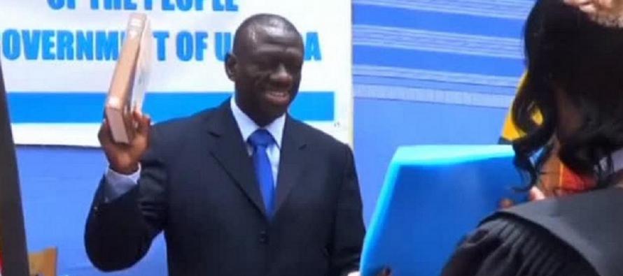 Ouganda : Kizza Besigye, le chef de l'opposition, encore aux arrêts