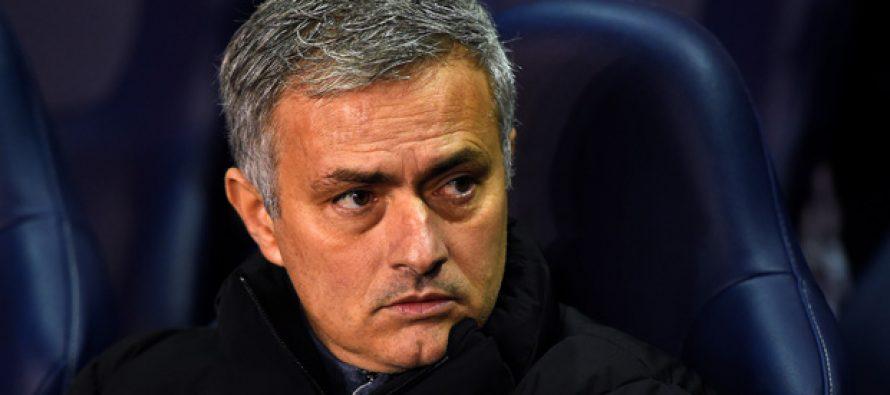 Foot – José Mourinho nommé entraîneur de Manchester United