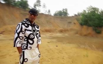 VIDEO – Koffi Olomide : Petit Rossi Hommage à Papa Wemba qui aujourd'hui devait avoir 67 ans.