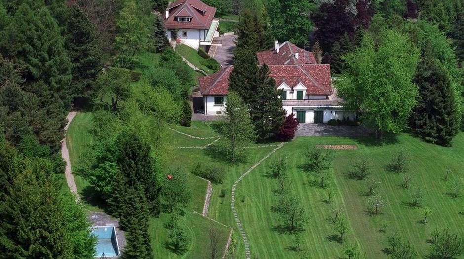 L'ancienne villa de Mobutu a été adjugé à l'unique intéressée, soit UBS, pour un montant de 6'054'000 francs. [Fabrice Coffrini - Keystone]