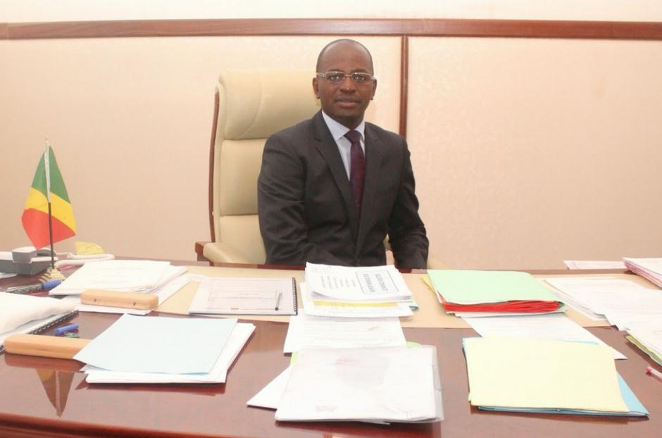 L'ancien ministre, Bienvenu Okiemy