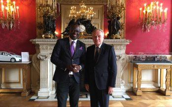 Alain Mabanckou a été reçu par le ministre français des affaires étrangères