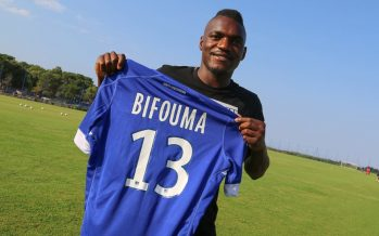 Foot – Transfert : L'attaquant congolais Thievy Bifouma signe à Bastia !