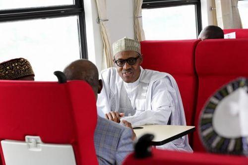 2707-39821-nigeria-le-president-buhari-inaugure-le-1er-train-a-grande-vitesse-de-l-afrique-de-l-ouest_L