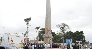 EN IMAGES – Brazzaville : L'Obélisque de Moungali du sang ou de la rouille ?