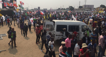 EN IMAGES – RDC : La foule grandit avant le meeting de l'opposition