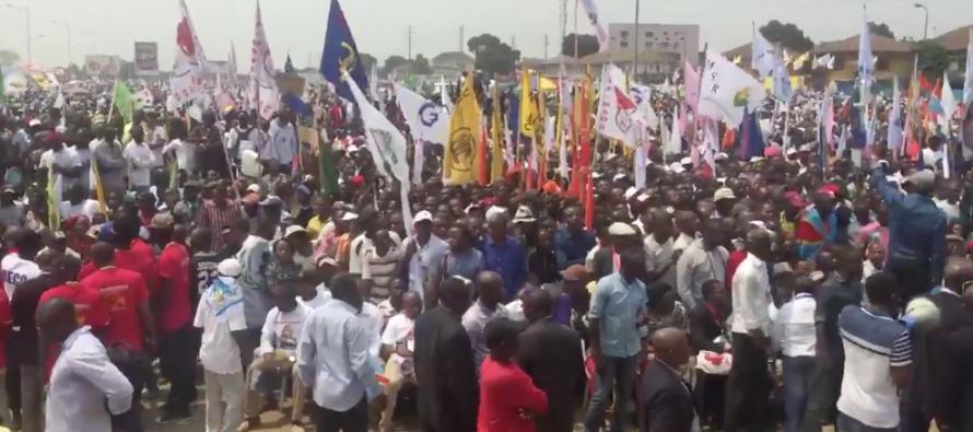 VIDÉO –  RDC : la foule est de plus en plus compacte au meeting de l'opposition