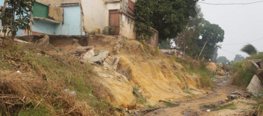 Brazzaville : L'avenue Mgr Mbemba à l'abandon à Mfilou, des maisons emportées par les érosions