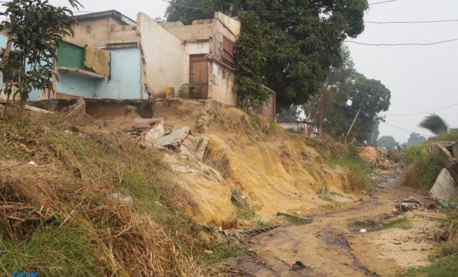 L'avenue Mgr Mbemba à l'abandon à Mfilou, des maisons emportées par les érosions