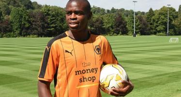 L'international congolais Prince Oniangué quitte Reims et signe à Wolverhampton (D2 anglaise)