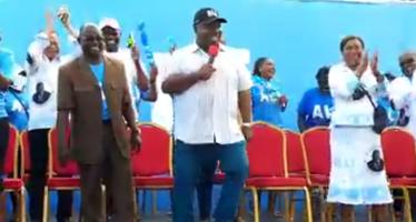 Présidentielle au Gabon: Ali Bongo se prend pour Mohamed Ali et invite ses adversaires sur un ring