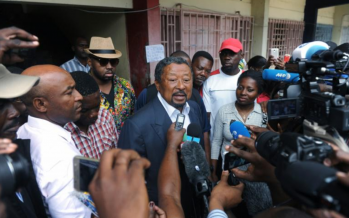 Gabon : Jean Ping se proclame «élu» président devant la presse et ses partisans