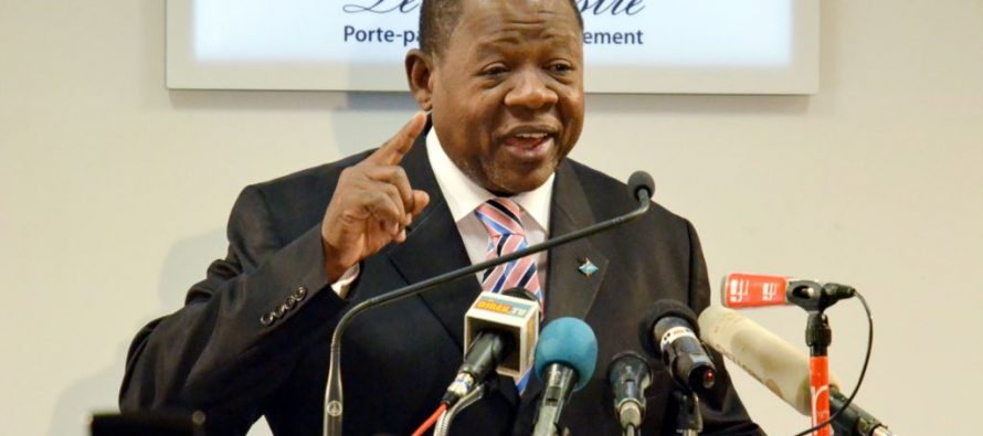 Sanctions de l'Union européenne : Le ministre de la communication de la RDC se dit « Martyr »