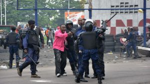 manifestant-parti-opposant-eletorale-police-congolais