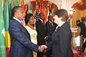 Stephanie Sullivan et Sassou