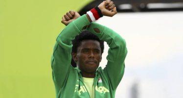 Feyisa Lilesa : «Je vais peut-être être tué en rentrant en Éthiopie»