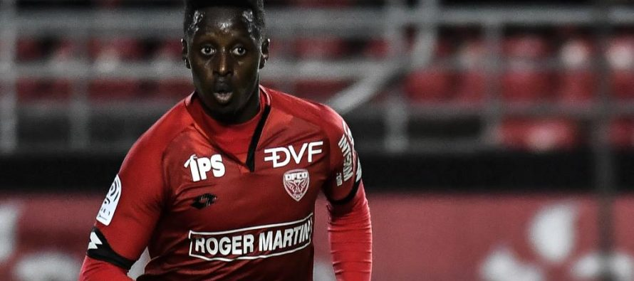 Football : Le latéral congolais, Arnold Bouka Moutou insuffisant face au PSG